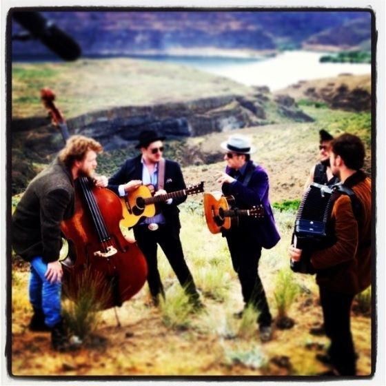 Elvis Costello jamming with Mumford & Sons backstage